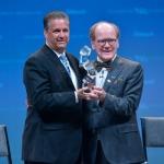 Alltech entrega el premio Humanitario 2015 en la REBELacion Alltech