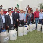 Perú: Impulsan Desarrollo del Sector Ganadero con la Entrega de Material Genético de Calidad